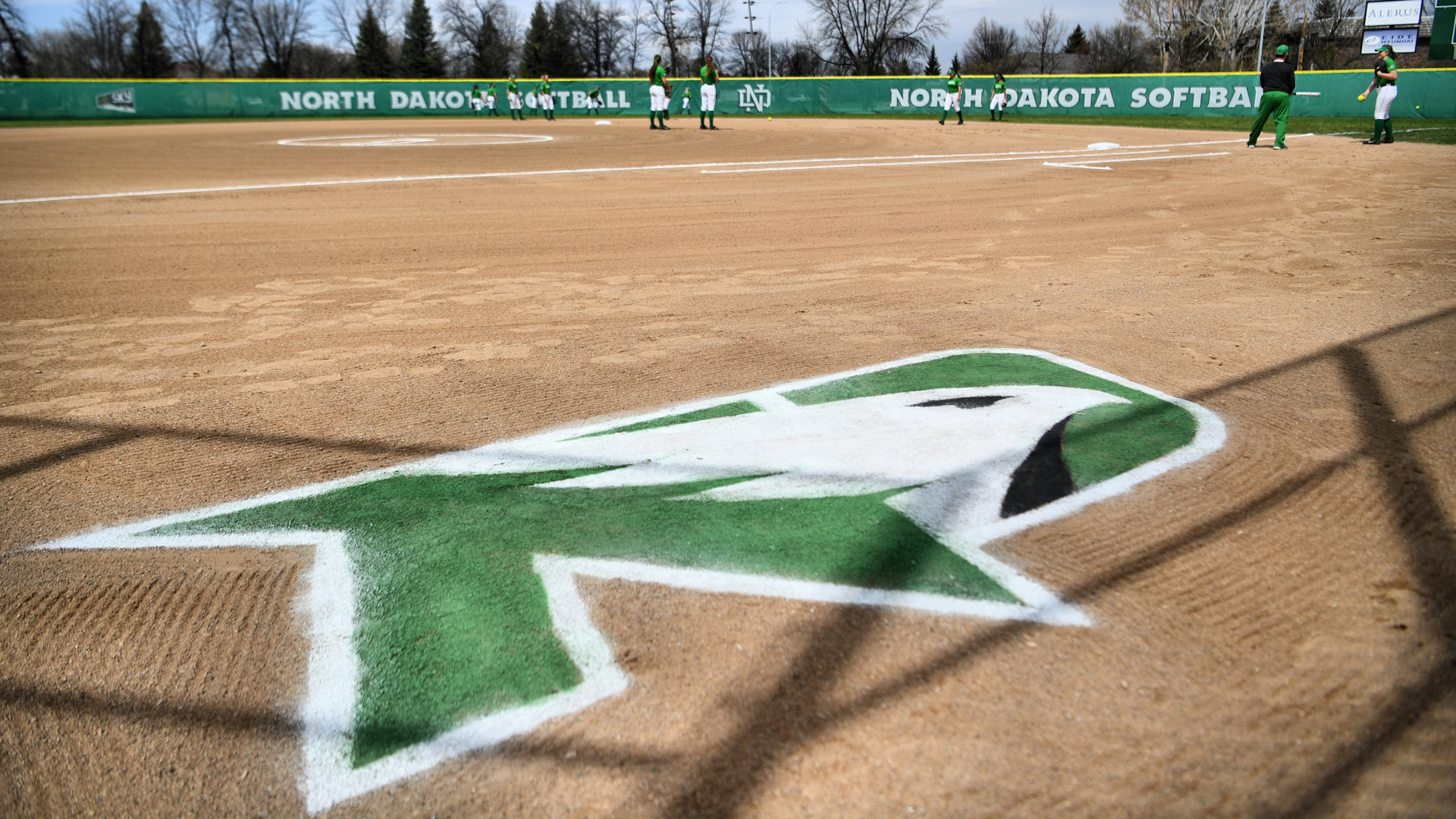 Softball unveils 2019 schedule - University of North Dakota